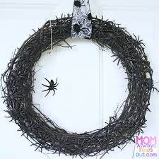 easy diy halloween wreaths spider wreath mom always finds out