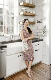 joanna gaines farmhouse kitchen with cabinets new kitchen cabinets hardware joanna gaines 27 ideas