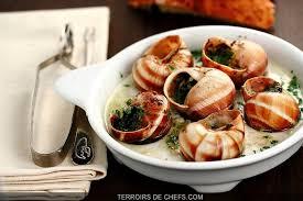 escargot cuisiné l escargot mets emblématique de la gastronomie française