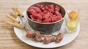 cuisiner viande à fondue fondue bourguignonne facile et rapide minutefacile com