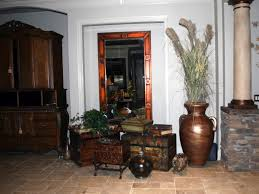 Foyer Artwork Ideas Easy Country Foyer Decorating Ideas Mirror Hook And Space Saving