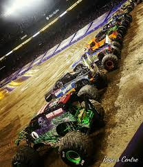 monster trucks grave digger crashes ka monster jam grave digger for my babies pinterest