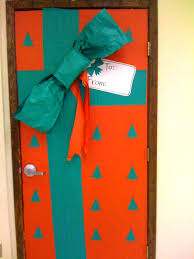 Christmas Door Decorations Ideas For The Office Ideas To Decorate Preschool Classroom For Christmas