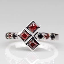 batman engagement rings platinum harley quinn garnet and onyx engagement wedding
