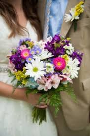 cheap flowers for wedding 88 best chic and cheap wedding flowers images on