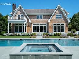 3 hamptons listings with over 5 000 sq ft curbed hamptons