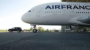 porsche cayenne towing see a porsche cayenne tow the heaviest aircraft towed by a