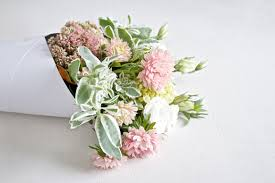flower subscription 12 x blooms of the day flower subscription package bloom social