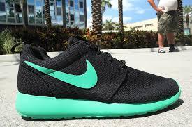 rosch runs nike roshe run black stadium green sneakerfiles