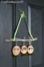 how to make adorable wood slice owl ornaments and an owl tree owl
