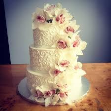 wedding cake flower a simple cake fresh flowers for your wedding cake
