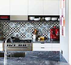 poser faience cuisine 55 idées pour poser du carrelage mural chez soi within faience