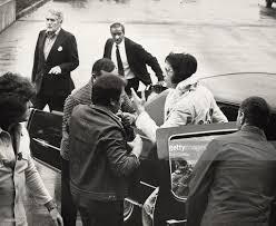 elvis presley returning to the hilton hotel after his concert at