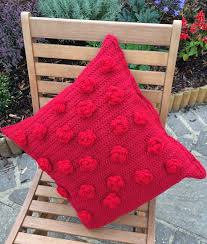 Free Cushion Crochet Patterns How To Crochet A Red Rose Cushion Cover