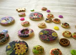 lovely what to do with what to do with buttons just a little patch
