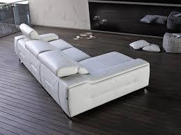 canapé espagnol le meuble espagnol fait sa movida en le courrier du