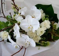 white bouquet white bouquet
