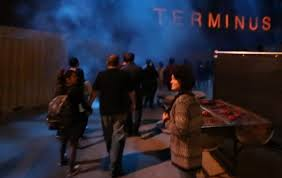 the walking dead scare zone at halloween horror nights 2014