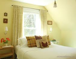 curtains yellow walls what color curtains accentuactivity what