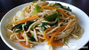 cuisiner des pates chinoises nouilles chinoises sautées aux légumes recette asiatique
