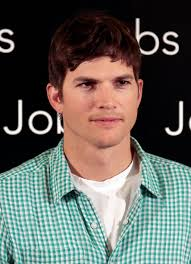 ashton kutcher doesn u0027t want photos of daughter wyatt u0027s face shared