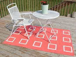 Make Your Own Outdoor Rug Diy Outdoor Rug Using Burlap Acrylic Paint And Clear Acrylic