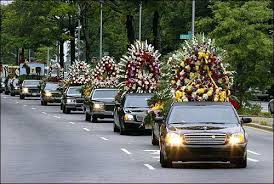 floral arrangements for funeral photo cars with floral arrangements lead the funeral procession