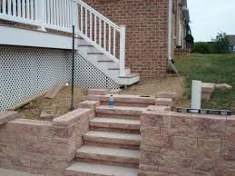 segmented wall step construction