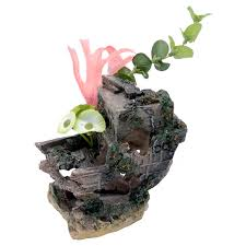 penn plax shipwreck aquarium ornament small 11 5l x 4 5w x 4h