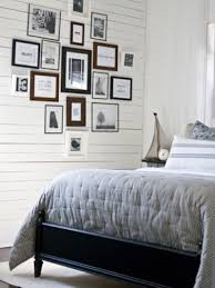 how to decorate a bedroom wall with picture frames