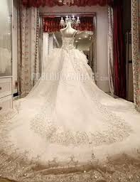 robe de mari e de princesse de luxe col en cœur bretelle princesse perles tulle broderie robe de