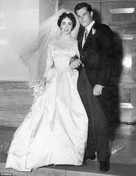elizabeth taylor u0027s first wedding dress smashes 50 000 estimate to