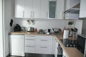 deco cuisine blanche et grise meuble cuisine gris laqué beau decoration cuisine blanche