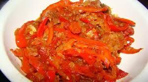 cuisiner les poivrons rouges recette de peperonata poivrons rouges à la tomate