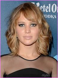 medium length haircuts for round faces over stylesstar com