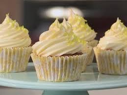 How To Make White Chocolate How To Make White Chocolate Buttercream Youtube