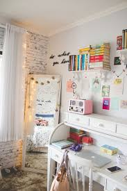 how to decorate a very small room