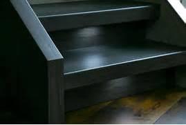 treppe mit vinyl bekleben treppenrenovierung selber machen treppenrenovierung selber machen