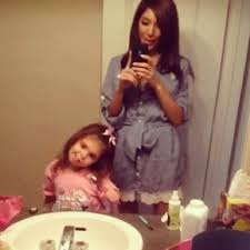 Bathroom Mirror Selfies by The 12 Best Types Of Mirror Selfies As Demonstrated By The Casts