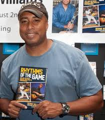 Barnes And Noble Book Signings Nyc Bernie Williams Signs Book In New York
