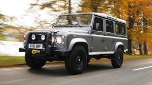 land rover 110 off road road test defender 110 2 2 122 manual top gear