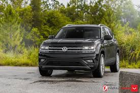 black volkswagen atlas vossen wheels vw atlas vossen flow formed series vfs2