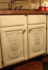 Chalk Paint On Kitchen Cabinets Chalk Paint Kitchen Cabinets See Guru Designs Chalk Paint