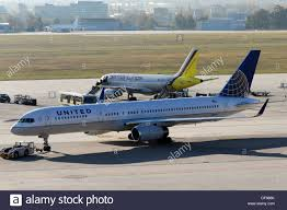 united airlines boeing 757 stock photos u0026 united airlines boeing