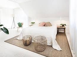 deco chambre adulte blanc chambre adulte blanche 80 idées pour votre aménagement mansardé