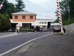 ufficio cambi rapinato ufficio cambi vicino al confine italiano homepage bizzarone