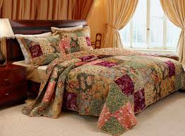 What Is A Bedding Coverlet - amazon com greenland home antique chic king 3 piece bedspread set