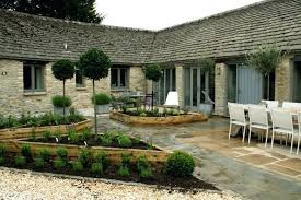 small house in spanish spanish style gardens lawn style gardens ideas for small house