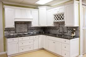 White Shaker Kitchen Cabinets Home Design Traditional Kitchen - Shaker cabinet kitchen