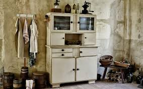 how to restore metal cabinets what of paint do you use on metal cabinets kitchen